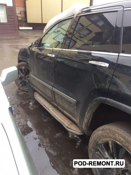 Продам а/м Jeep Grand Cherokee битый